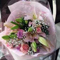 ラウンドスタイルの花束